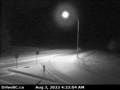 Live Traffic Camera – Hwy 3 at Hwy 6, looking west on Hwy 3 north of the border crossing. (elevation: 671 metres)